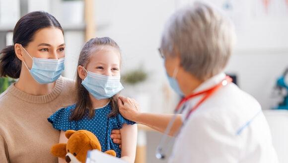 Näomaskid aitavad immuunsüsteemi kaitsta tänu lisaniiskusele, mis maski sees tekib